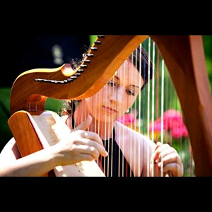 Clarendon Harpist | Eryn Jones