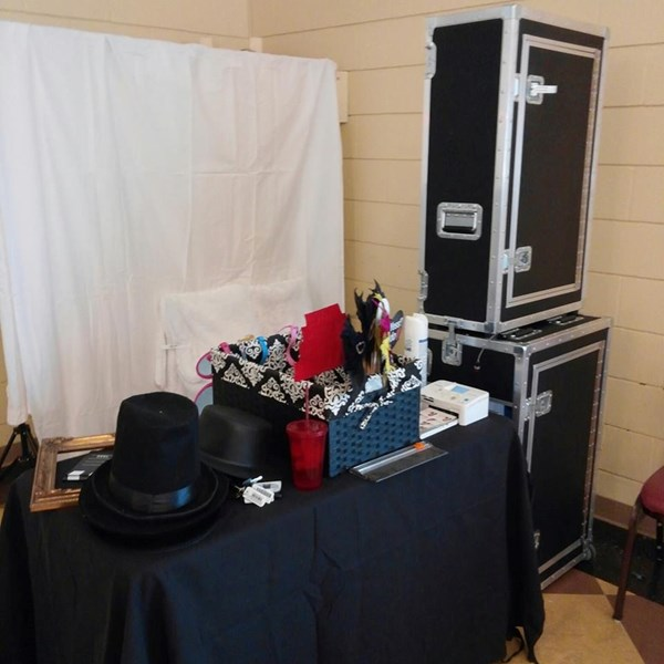 A photobooth rental by Riki - Photo Booth - Bakersfield, CA