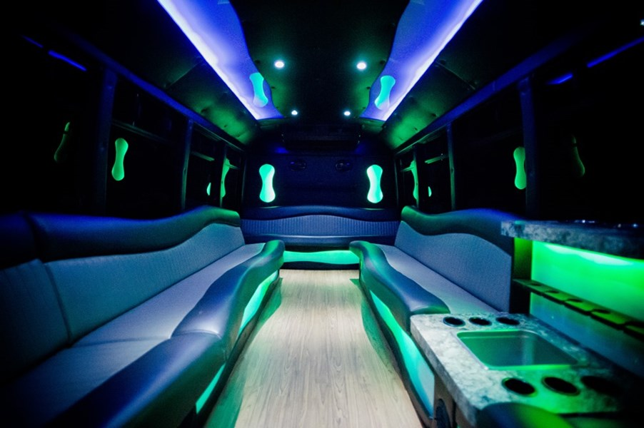 Cruise-A-Palooza - Party Bus - Hartford, WI