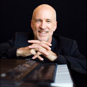 Streetman Pianist | Scott Willis