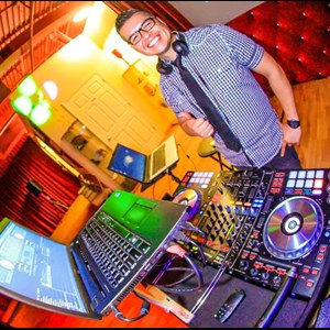 Tampa DJ | DJ M Junior