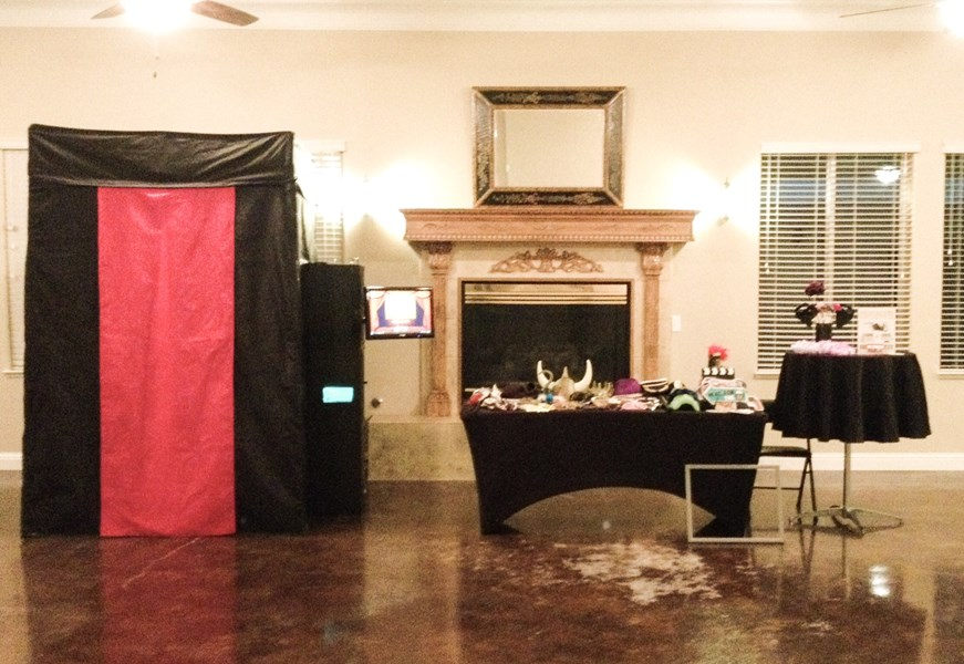 Creative Smiles Photo Booth - Photo Booth - Sacramento, CA