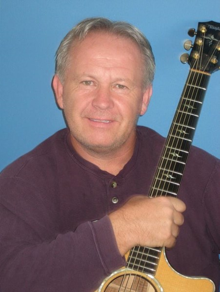 "Steve ""The Brit"" - Pop Acoustic Guitarist - Hutto, TX"
