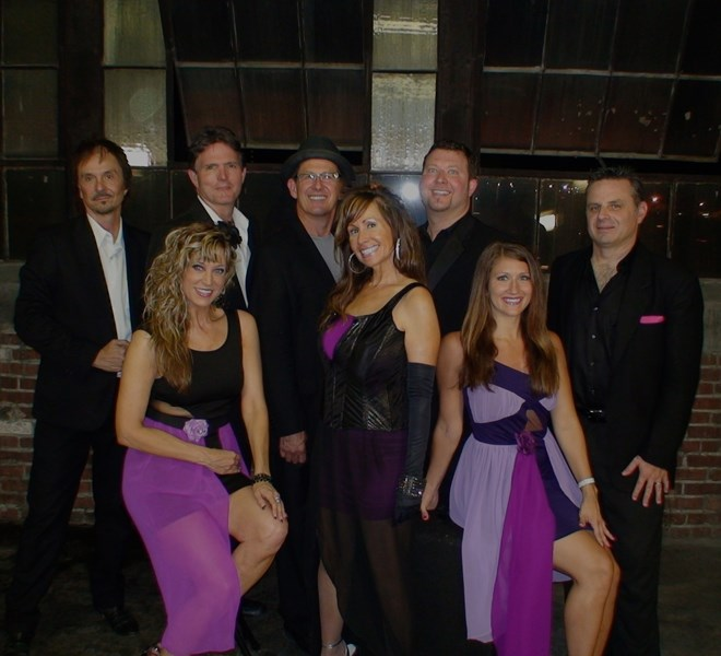 Jayne Bond & the Pink Martinis - Dance Band - Indianapolis, IN