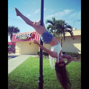 Sarasota Cabaret Dancer | Pole Dancer Lorna Moone