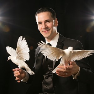 Waterbury Puppeteer | Tom Pesce Magic!