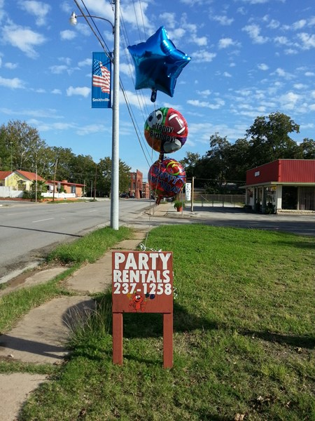 thecollageshop - Bounce House - Smithville, TX