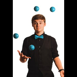 Arkansas Comedy Juggler | Blayk Puckett-Award-Winning Magic and Juggling