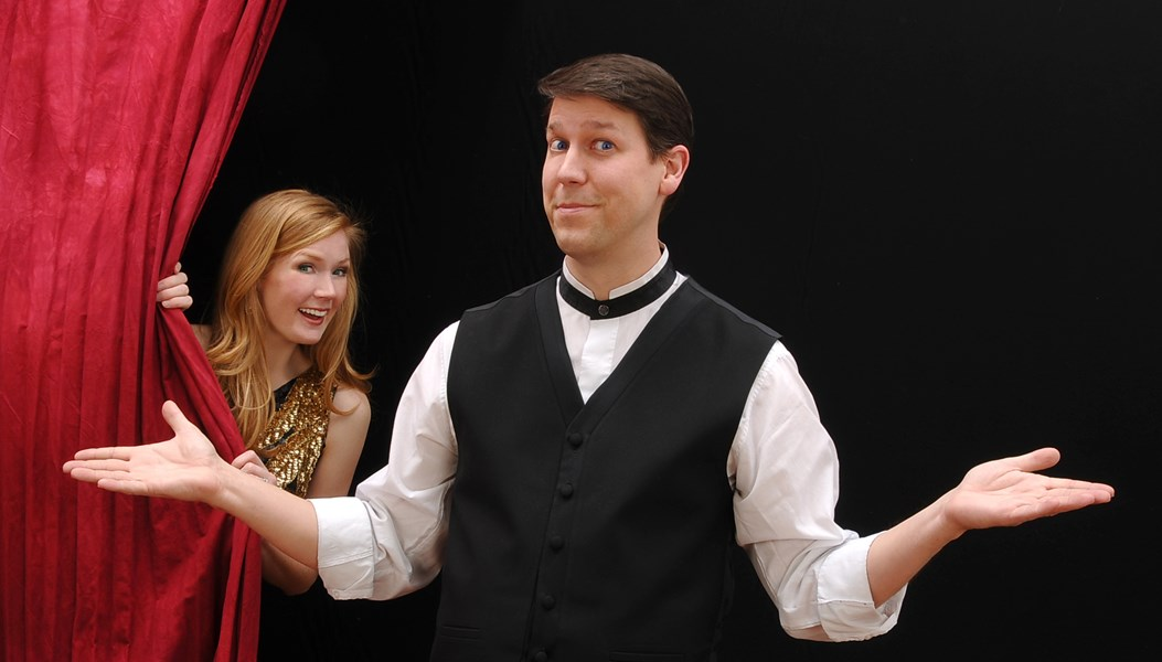 Corporate Magician Comedian... Mark Robinson - Magician - Chicago, IL