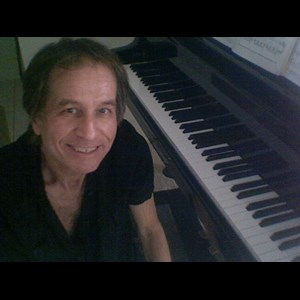 Greenville Pianist | Robbie Bryant