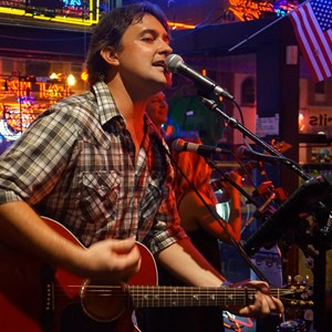 Leadwood Country Singer | Trent Mayo
