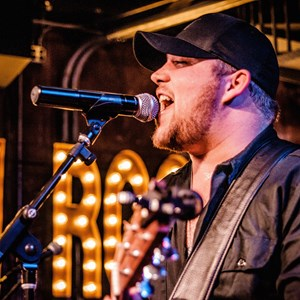 Nashville Top 40 Band | Andrew Velez Band