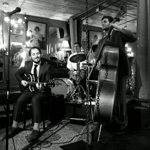 Eastsound Jazz Trio | 200 Trio