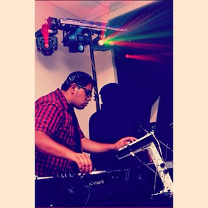 North Carolina Latin DJ | DJ Magicmex