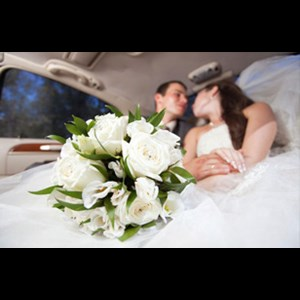 Emeryville Wedding Limo | Hayward Town Car and Limo Service
