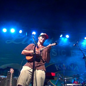 Green Bay Ukulele Player | Casey Turner Music