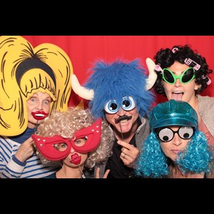 Garland Photo Booth | Red Photo Booths