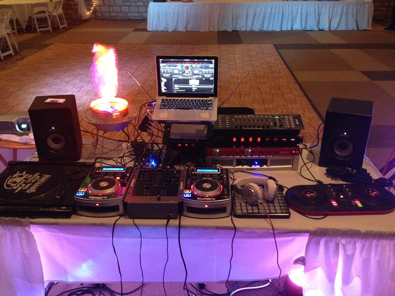 DJ Avery Moore - Mobile DJ - Lewis Center, OH