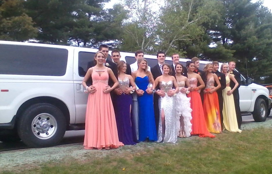 Field of Greens Limousine Service - Event Limo - Waterville, ME