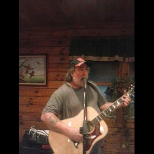 Yorkville Acoustic Guitarist | Mark56