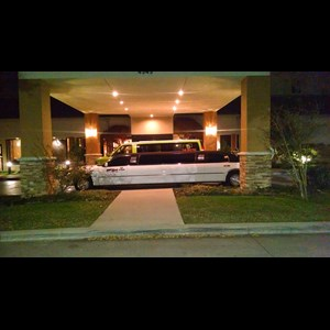 Hutchins Wedding Limo | Esquire Limousine of Texas