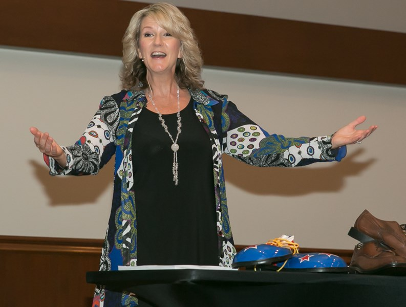 Humorous, Inspirational Speaker - Lori Randall  - Motivational Speaker - Meeker, OK