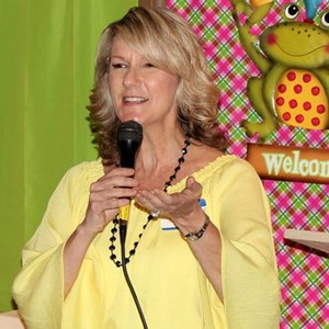 Oklahoma Motivational Speaker | Speaker or Social Painting  - Lori Randall