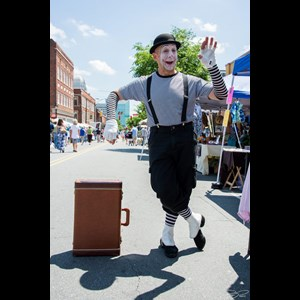 North Carolina Human Statue | Jacob Felder Mime