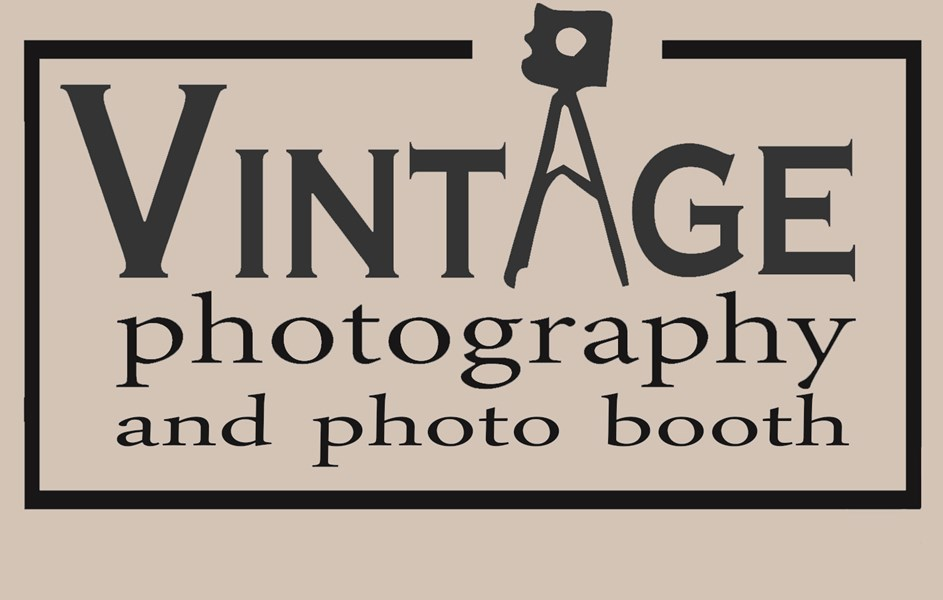 Vintage Photo Booth - Photo Booth - Edmonton, AB