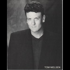 Killington Acoustic Guitarist | Tom Nielsen