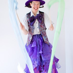 Seattle, WA Stilt Walker | Sarah Liane Foster