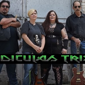 Oswego, KS Rock Band | RIDICULAS TRIXX