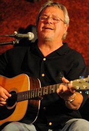 Moline, IL Oldies Acoustic Guitarist | Tony Hoeppner
