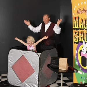 Magic Shows & Face Painting & Balloon Twisting