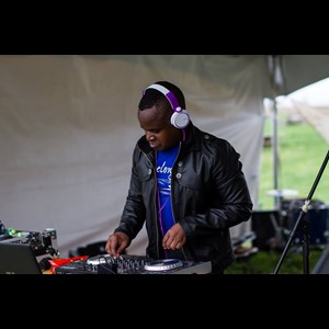 Decorah Sweet 16 DJ | DJ Tonny-De