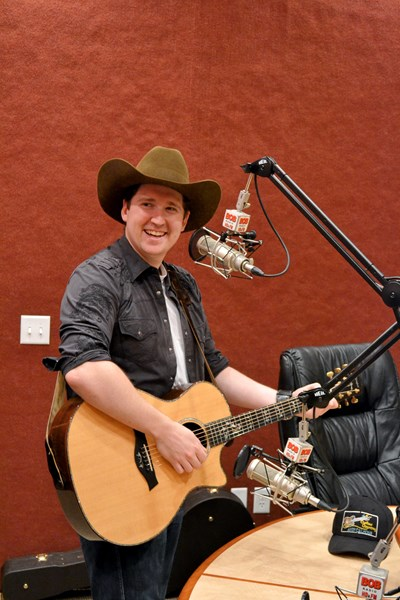 Andy Calhoun - Country Band - Minneapolis, MN