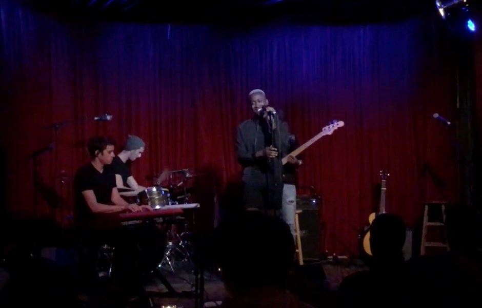 Playing with VINCINT at Hotel Cafe