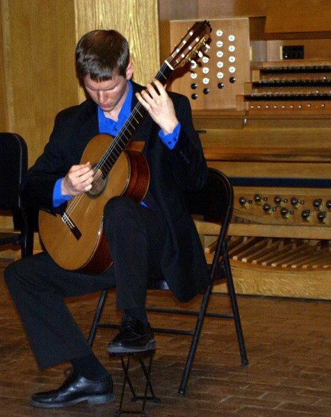 Robby Brown - Classical Acoustic Guitarist - Boston, MA