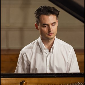New York City, NY Pianist | Mikhail Romanov