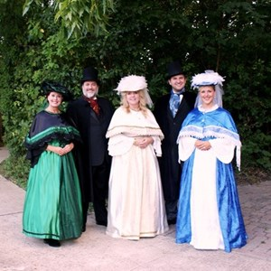 Dallas, TX Christmas Caroler | HOLIDAY CHEER ENTERTAINMENT