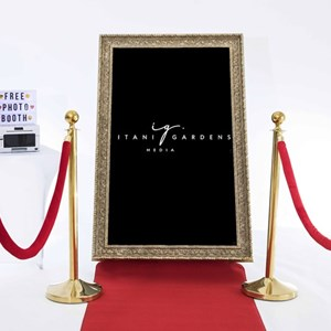 Houston, TX Photographer | SELFIE MIRROR HOUSTON PHOTO BOOTH RENTAL