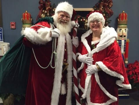 Mr & Mrs Santa Claus - Santa Claus - Haledon, NJ