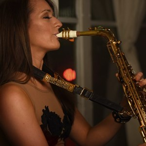 Black Hawk Saxophonist | Mandy Faddis