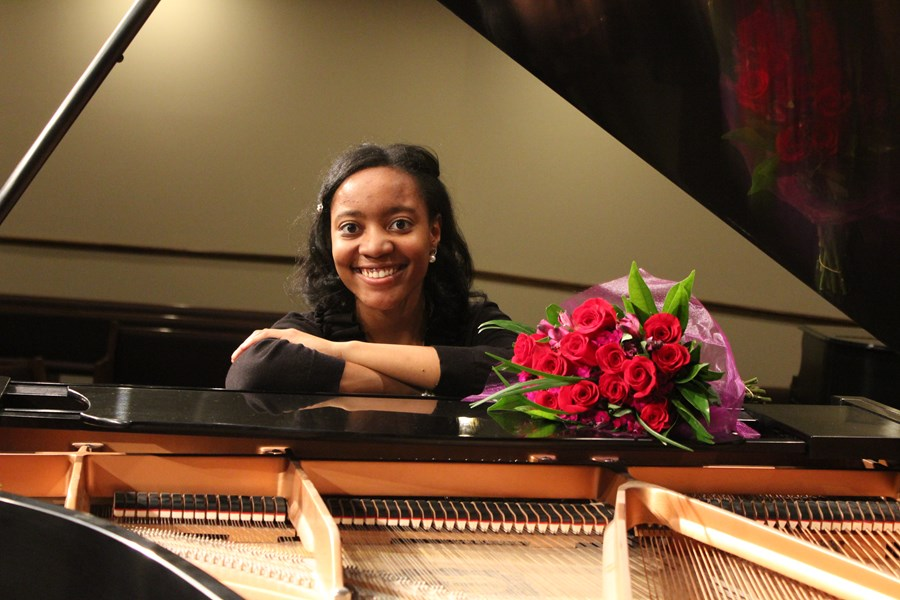 Ariel Mills - Holiday Favorites - Christmas Music Pianist - Ocala, FL