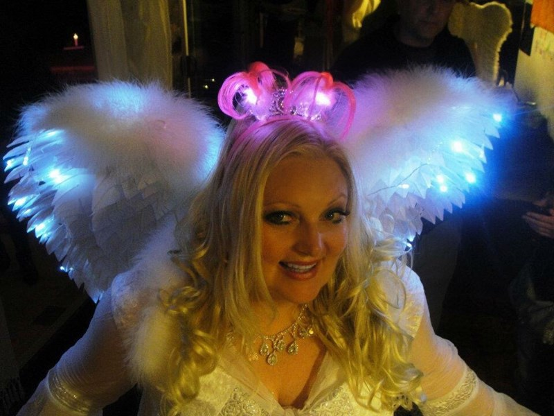 Angel She-She Party Psychic & Tarot Reader - Psychic - Los Angeles, CA