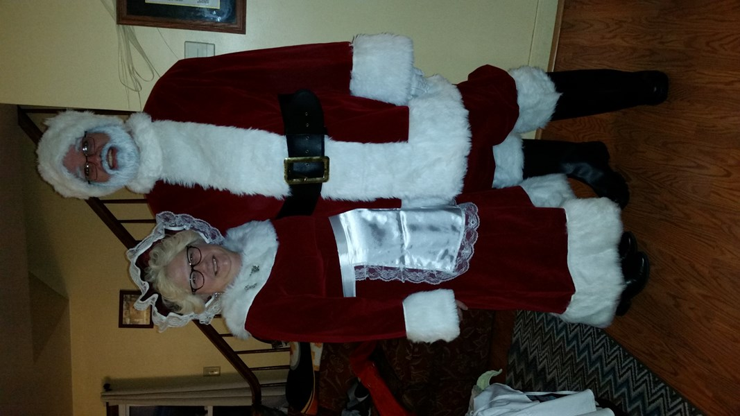 Mr & Mrs Claus - Santa Claus - Greensburg, PA