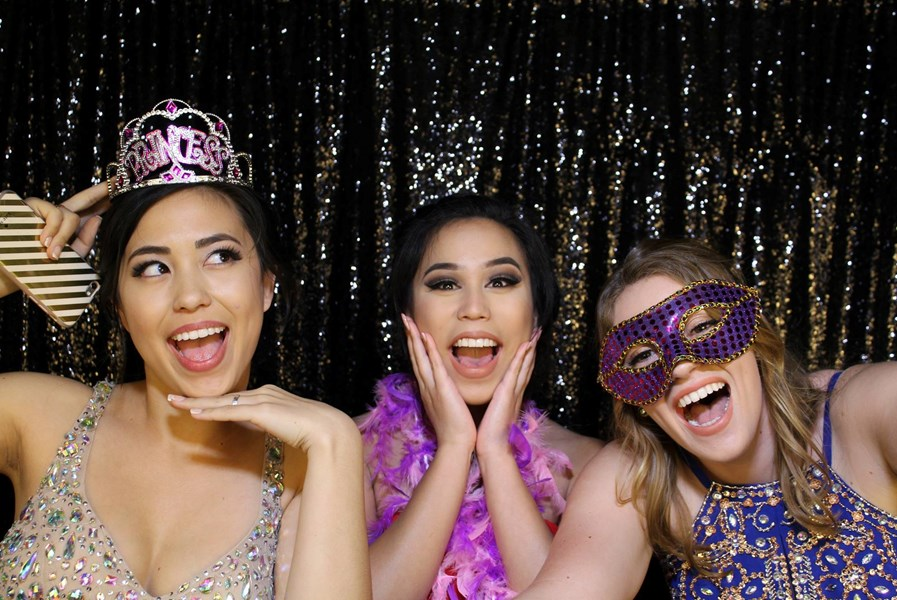 INSTANT MEMORIES PHOTO BOOTH - Photo Booth - Sacramento, CA