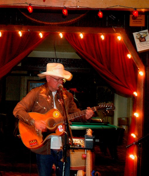 Hilary Marckx, songwriter - Country One Man Band - Geyserville, CA