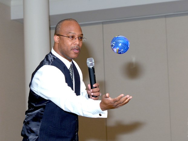 Dr. Powell, author, motivation spkr/tng workshops - Motivational Speaker - Washington, DC