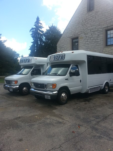 LIMOINFINITY PARTY BUS RENTAL - Party Bus - Hickory Hills, IL